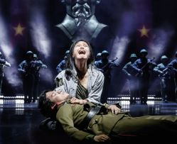 MISS SAIGON Szenenfotos UK 009 © Photo Johan Persson